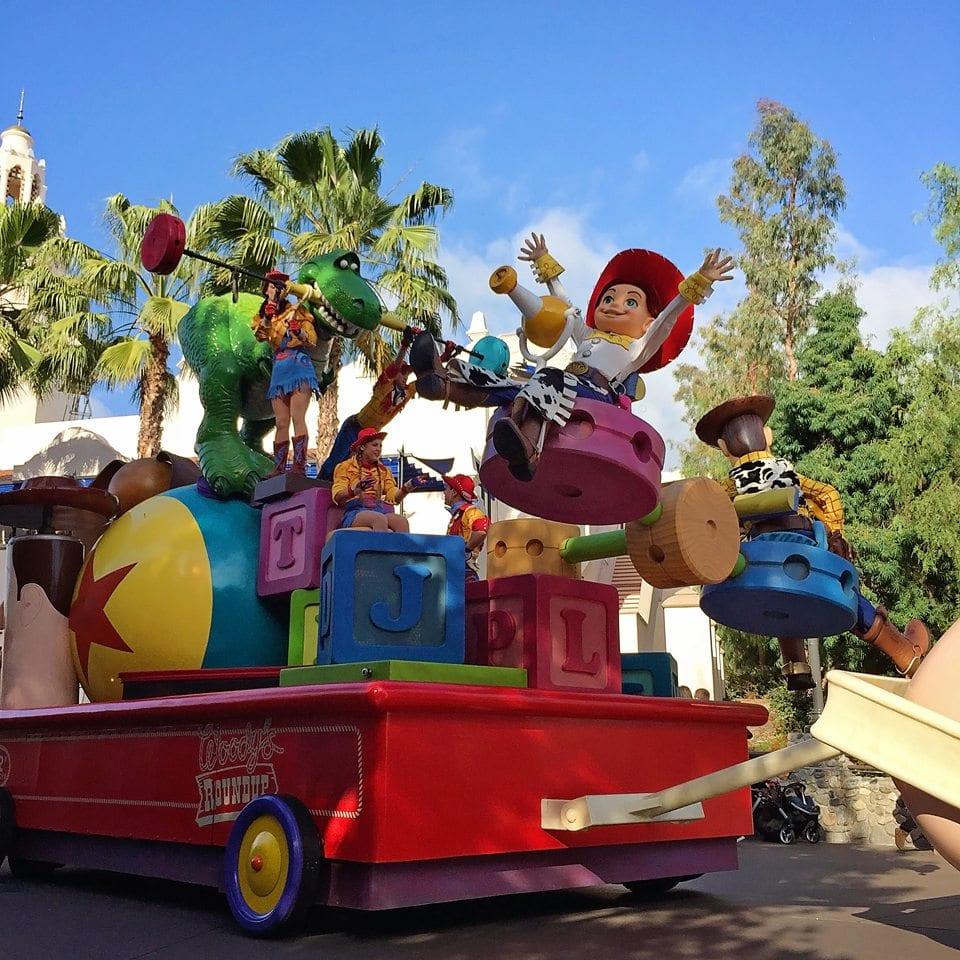 pixar play parade california adventure