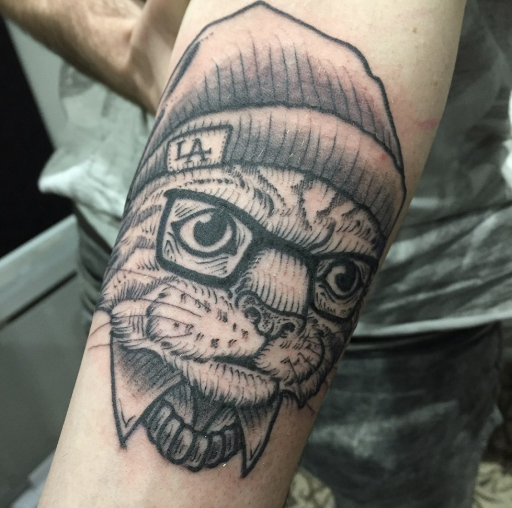 Chat hipster tattoo
