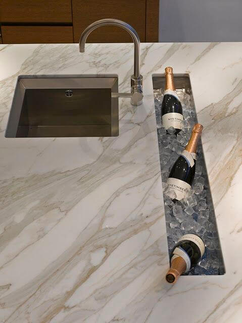 Phenomenal kitchen island designs with seating for 6 #kitchen #kitchenisland #kitchendesign #kitchenideas