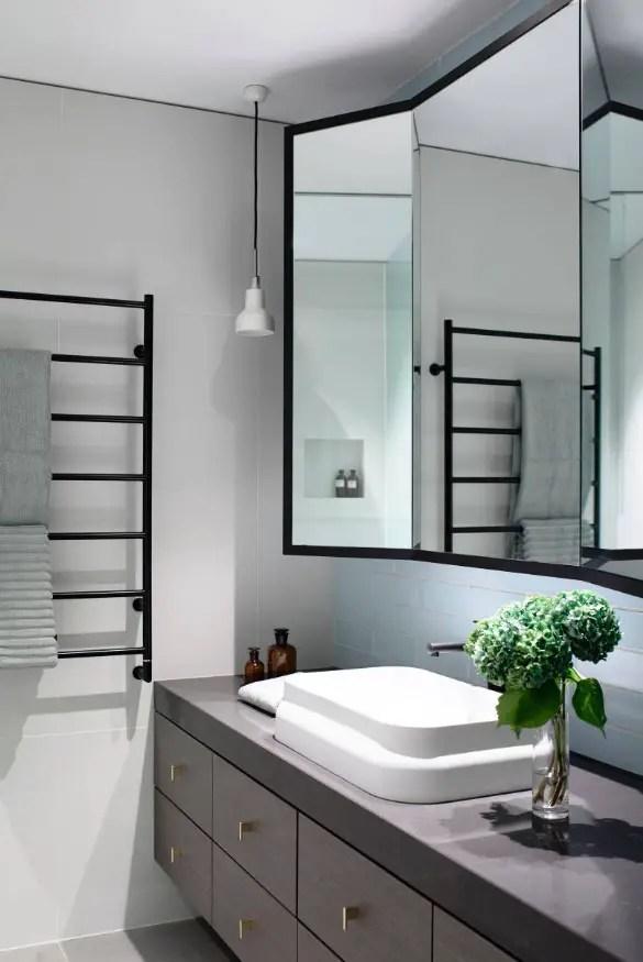 Fantastic bathroom sink mirror ideas #bathroom #mirror #vanity #bathroomdesign #bathroomremodel #bathroomideas