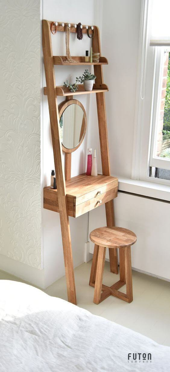 A Simple Dressing Table for Tiny Room