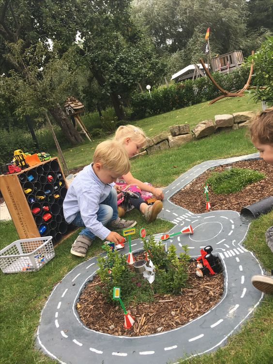 Backyard Playsets - Racetrack