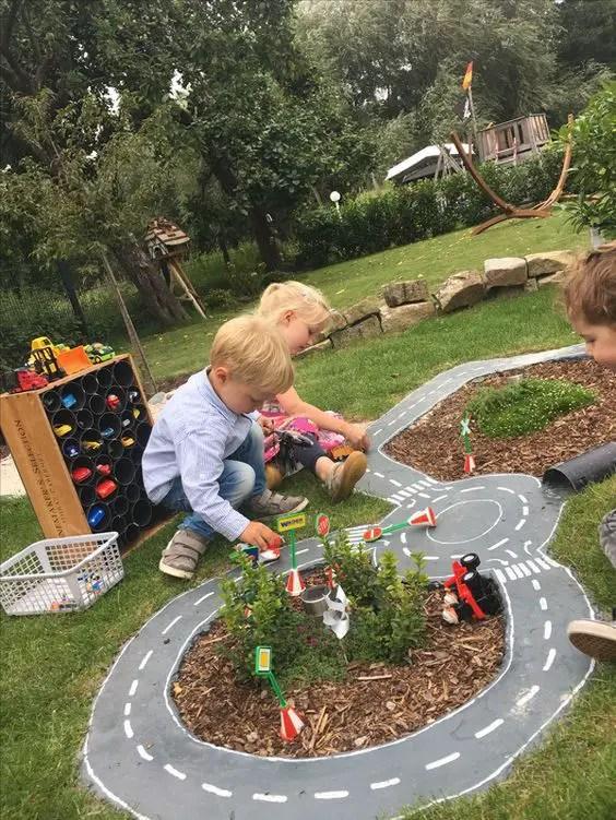 Backyard Playsets - Racetrack