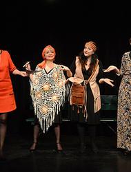 Et Pendant Ce Temps Simone Veille : pendant, temps, simone, veille, Pendant, Temps,, Simone, Veille, Spectacles, Grand, Paris, Télérama, Sortir