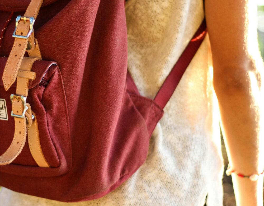 Vom Rucksack zum Koffer: Reisen mit leichtem Gepäck
