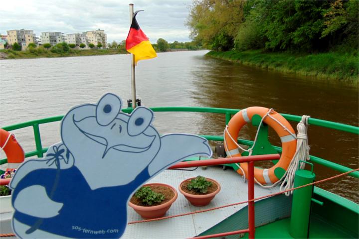 Mit dem Boot auf der Elbe