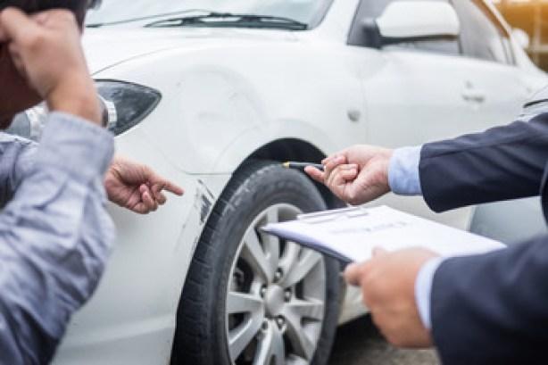 Incidente d'auto senza assicurazione