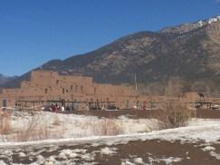 Taos Pueblo conserva raíces ancestrales.