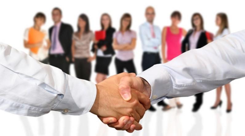 Distinzione fra contratto di associazione in partecipazione con apporto di prestazione lavorativa da parte dell'associato e contratto di lavoro subordinato con retribuzione collegata agli utili dell'impresa