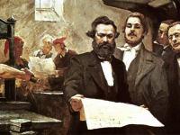 Karl Marx dan Engels sedang meneliti cetakan akhbar