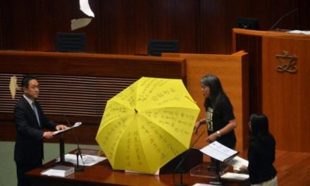 China menyerang hak demokrasi Hong Kong!