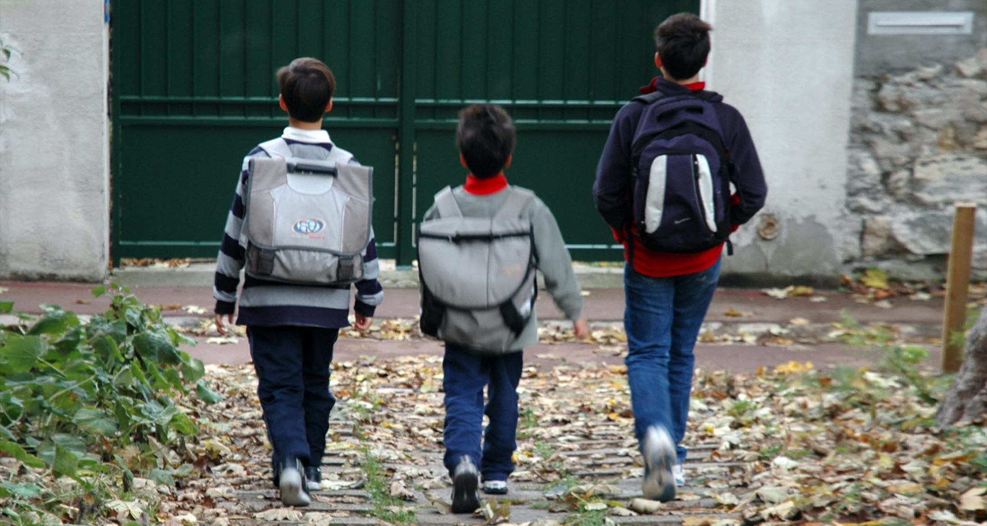 French boys off to school