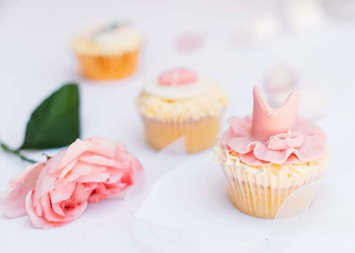 Decorated cupcake by English Dream Cakes