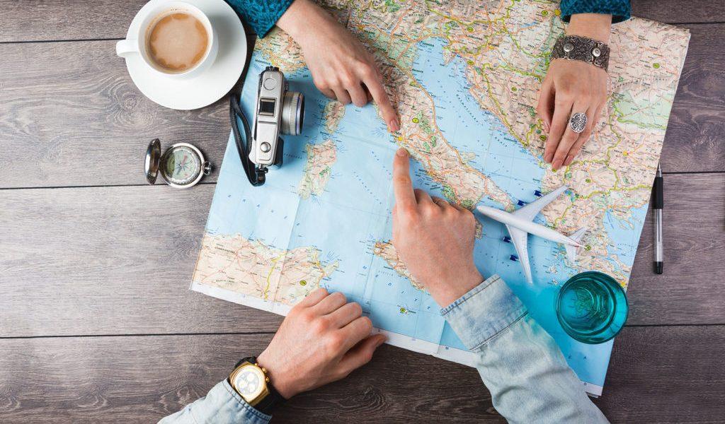 أشهر مواقع السفر