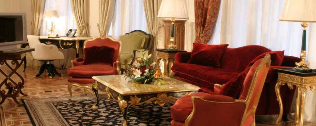 hotel-savoy-moscow-russia-l-xlarge