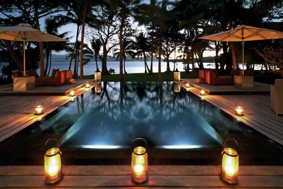 dolphin-island-fiji-infinity-pool