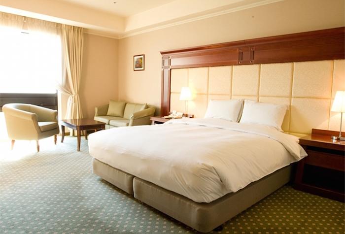 premier-hotel-room