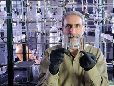 La bacteria prodigiosa, convierte la energía solar en combustible líquido