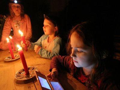 Cómo cargar el teléfono celular cuando no tienes electricidad en 3 sencillos pasos