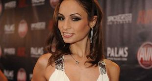 Adult Film Star Amber Rayne Dies From 'Possible Overdose' at Age 31