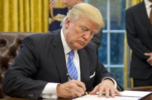 Trump Signs Order Withdrawing From TPP, Reinstate 'Mexico City Policy' on Abortion
