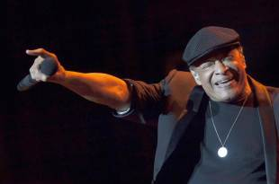 Legendary Jazz Singer Al Jarreau Dies at 76 - Sostre News