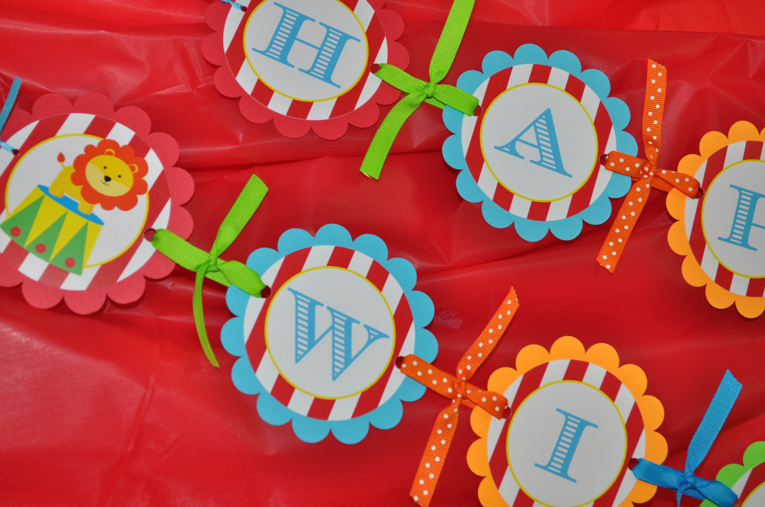 circus party banner happy