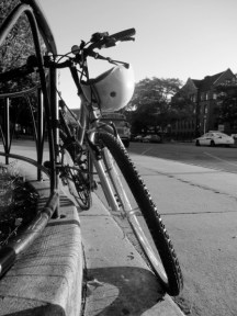 lily-bike-blsck-and-white