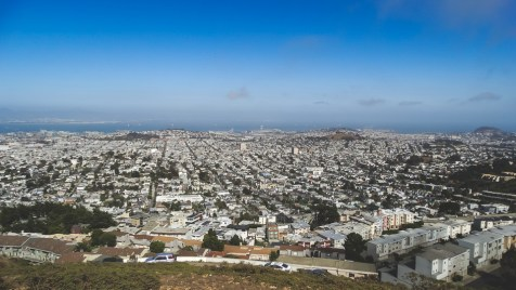 Panorama view of San Francisco from the top of Twin Peaks