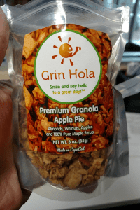 Grin hola package apple pie