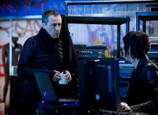 Michael-Wincott-Adrian-Cross-24-Live-Another-Day-Episode-4