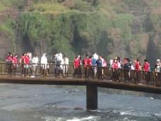 Visitatori alle cascate