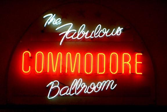 commodore sign