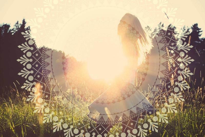 Les révélations de l'Énergie Lumière: «la Vie se révèle au fur et à mesure; c'est son secret; la vivre, c'est la connaitre; elle s'épanouit au fur et à mesure d'aspirations, de passions. Chacun découvre ce qu'elle lui destine avec ses mille visages, mille reflets différents, pas un ne se ressemble. De plus, lorsqu'un aspect vient à toi il t'entraine dans de joyeuses explorations appréciées