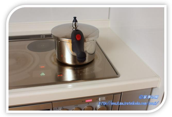 炊飯器 圧力