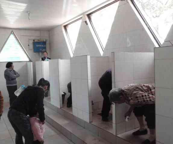 中国ニーハオ公衆トイレ