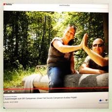 YOUTUBE: Wir drehen unseren ersten gemeinsamen YouTube Clip über unser Dakota-Projekt REALITÄT: Bei der Begutachtung des ersten Videos Entscheidung unsererseits: Es dürfen auch ein paar Kilo weniger Körpergewicht sein, ob es gelingen mag?