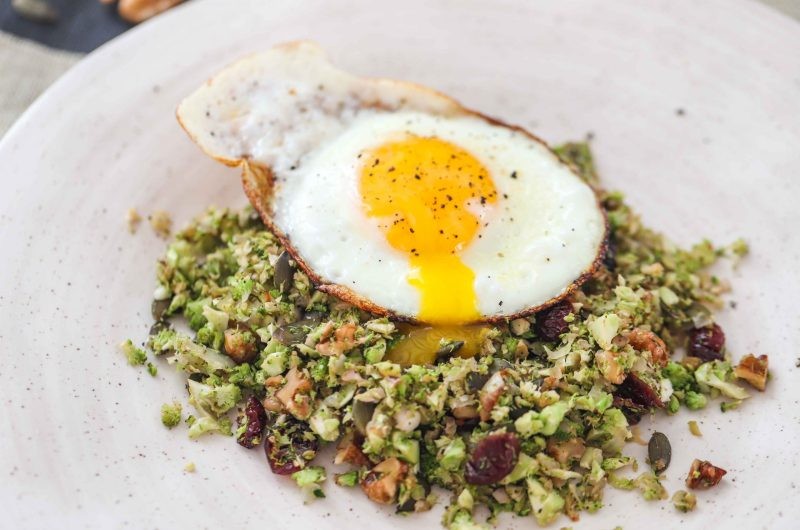 PCOS FRIENDLY SUPERFOOD BREAKFAST WITH FRIED EGG