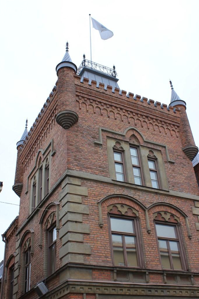 Apotekshuset med torn