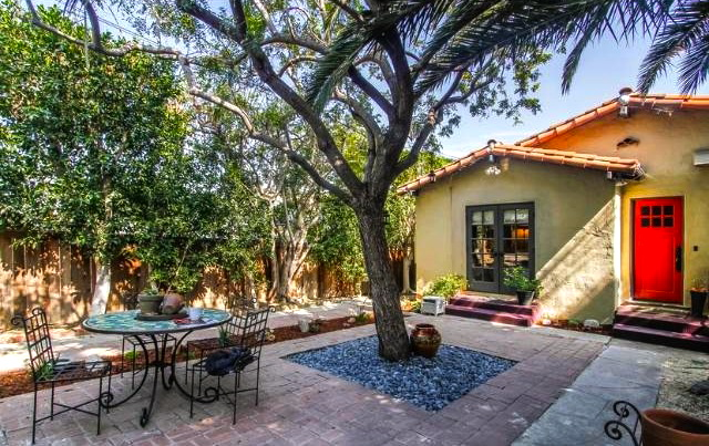 Patio. Courtesy of Roberta Collins – Keller Williams Los Feliz