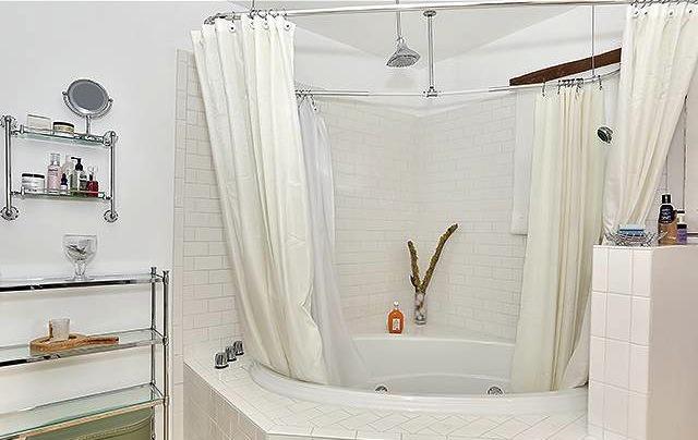 Bath with spa tub