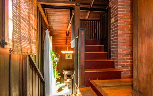 Stairway with wainscoting