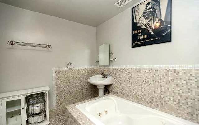 Bath with tub