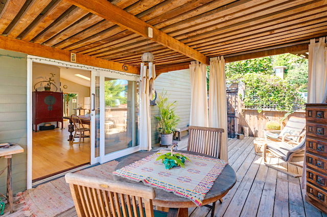 Romantic deck off the dining room