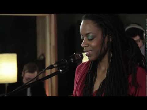 Akua Naru - Poetry How Does It Feel Now Live