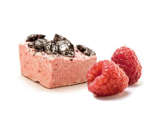 Verfeinert mit hochwertigen Schokoladenstücken gibt es nun unsere Königin der Marshmallows, die durch ihren fruchtigen Geschmack die Sinne betört.