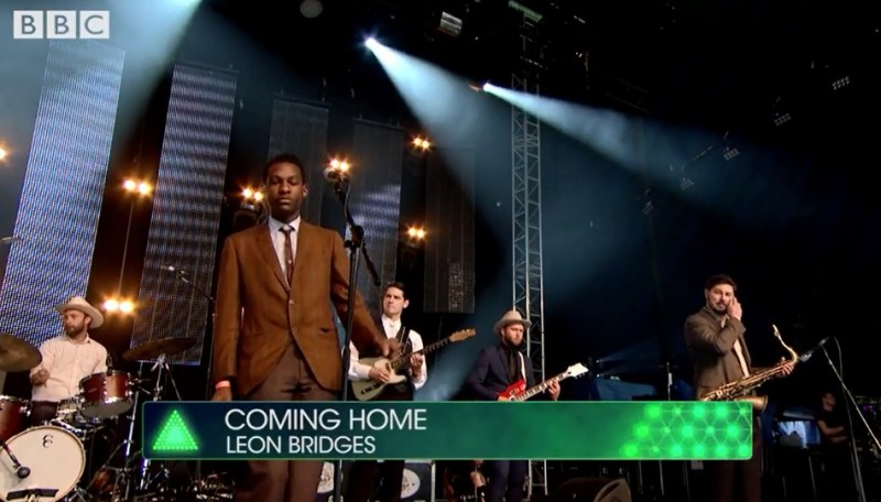 Leon Bridges - Coming Home (LIVE @ Glastonbury 2015)
