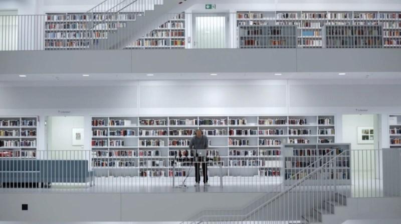 0711TAPE #7 DJ Friction – Stadtbibliothek
