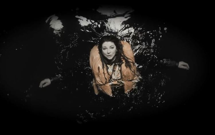 kate-bush-and-dream-of-sheep-live-official-video