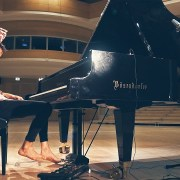 Videotipp: Peter Bence mit seinem Piano-Cover on TOTOs Africa